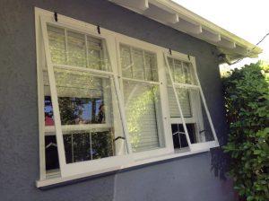 پنجره های بادشکن